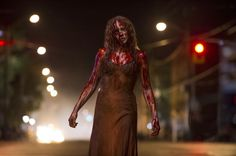 """Here's two freaky new stills featuring Chloe Moretz and Julianne Moore in the upcoming horror remake """"Carrie"""" by director Kimberly Peirce and starring Horror Movies On Netflix, Best Horror Movies, Horror Films, Scary Movies, Stephen King It, Stephen King Movies, Julianne Moore, Movies And Series, Movies And Tv Shows"""