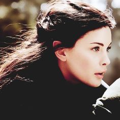 Arwen | Tûr gwaith nîn beriatha hon. | the strength of my people will protect him.