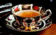oolong, black tea cup