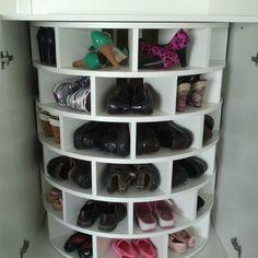 Shoe Lazy Susan - I need this for my closet! Shoe Lazy Susan - I need this for my closet! Shoe Lazy Susan - I need this for my closet! Ideas Prácticas, Decor Ideas, Cool Ideas, Craft Ideas, Ideas Para Organizar, Organization Hacks, Organizing Shoes, Bedroom Organization, Organization For Shoes