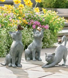 Charming cats captured with other playful friends, these garden statues are the purrfect way to add a smile to your garden or patio. Hand-sculpted originals are expertly sand-cast in rust-resistant aluminum, then hand-finished in a verdigris color. Adorable details are too cute to miss. Cat Garden, Garden Oasis, Lawn And Garden, Garden Art, Boxwood Garden, Outdoor Garden Statues, Friendship Symbols, Grandin Road, Metal Artwork