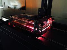 光造形3DプリンターExplorerの出力テスト中です。