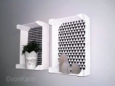 DIY vonKarin: Upcycling: Mandarin boxes in the wall - Basket And Crate Interior Railings, Cultural Crafts, Z Palette, Diy Wand, Diy Crafts To Do, Diy Box, Shabby Vintage, Crates, Home Accessories