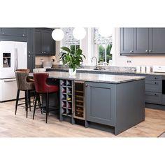 Open Plan Kitchen Dining Living, Open Plan Kitchen Diner, Modern Kitchen Island, New Kitchen, Kitchen Ideas, Long Kitchen, Modern Kitchens, Kitchen Decor, Breakfast Bar Stools