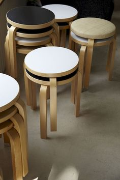 Randomitus - urbnite: Stool 60 by Alvar Aalto for Artek Nordic Design, Scandinavian Design, Modern Design, Modern Chairs, Modern Furniture, Furniture Design, Chair Design, Alvar Aalto, Designer