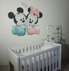 Baby Mickey Mouse en Minnie Mouse muurschildering