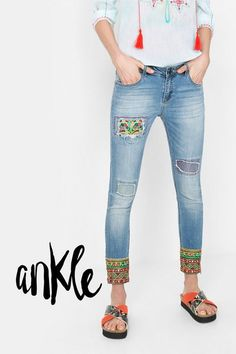 Desigual Slim fit ankle grazer jeans with mirrors. Discover the spring-summer 2016 collection!