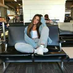 airport outfit goals The Effective Pictures We Offer You About Women's Outfits A quality picture can tell you many Trendy Outfits, Fall Outfits, Summer Outfits, Fashion Outfits, Moda Outfits, Cute Travel Outfits, Traveling Outfits, Comfy Travel Outfit, High School Outfits