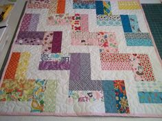 Zig Zag Quilt Pattern Tutorial,,  Baby Quilt Pattern, pdf. $4.99, via Etsy.