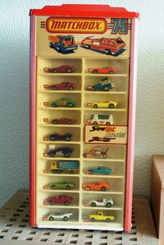 Risultati immagini per matchbox lesney shop Metal Toys, Tin Toys, Childhood Toys, Childhood Memories, Password Organizer, Retro, Corgi Toys, Matchbox Cars, Classic Toys