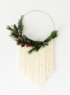 Wreath Crafts, Diy Wreath, Wreaths For Front Door, Door Wreaths, Christmas Wreaths, Christmas Decorations, Modern Wreath, Fabric Wreath, Diy Projects To Try