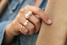 pearl rings in different sizes so pretty