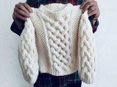 Un Suéter para Niño o Niña, Tutorial Gratis. – TEJIDOS KIRIKIRI Cape Coat, Coat Patterns, Textiles, Fancy, Pullover, Knitting, Elsa, Long Sleeve, Sweaters