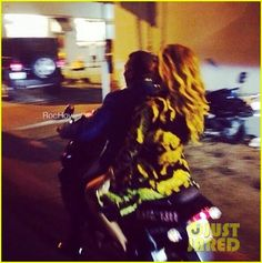 Beyonce & Jay-Z Celebrate New Year's Eve Together in Miami   beyonce jay z celebrate new years eve miami 03 - Photo
