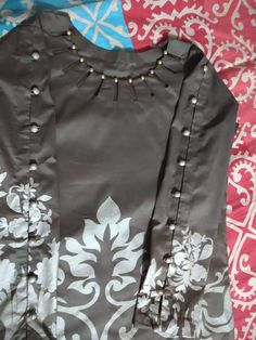 Neck Designs For Suits, Sleeves Designs For Dresses, Neckline Designs, Dress Neck Designs, Sleeve Designs, Pakistani Dresses Casual, Indian Fashion Dresses, Pakistani Dress Design, Stylish Kurtis Design