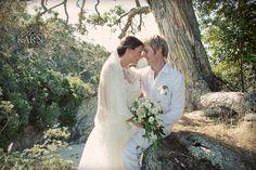 Gorgeous Waiheke Island wedding...classic dress, beautiful location, Photography by Phillipa Karn