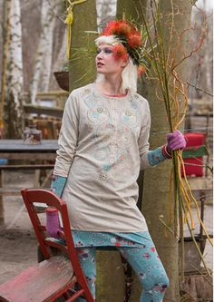 Comfortable, sustainable boho dresses, kaftans & women's tunics for all occasions; Always ethically sourced, always top quality. Boho Outfits, Cute Outfits, Gudrun, Bohemian Mode, Sweater Set, Scarf Jewelry, Models, Beautiful Outfits, Beautiful Clothes