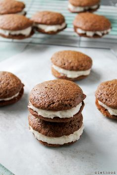 Gingerbread Whoopie Pies with Vanilla Buttercream Filling from @Kate Petrovska | Diethood