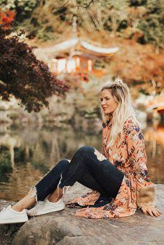 Barefoot Blonde- Amber Fillerup in Japan