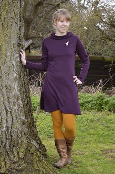 Better late than never: I made a purple Coco! Clothing Patterns, Sewing Patterns, Sewing Ideas, Sewing Projects, Simple Dresses, Easy Dress, Brown Tights, Simple Dress Pattern, Tilly And The Buttons