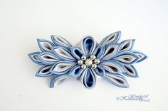 Gray and Blue Tsumami Kanzashi Fabric Flower por wonderfulkanzashi