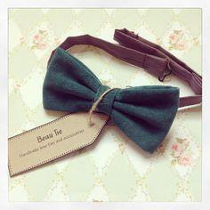 DESCRIPTION: Mens bow tie handmade from soft velvet in a lovely turquoise colour.  FABRIC: Velvet.