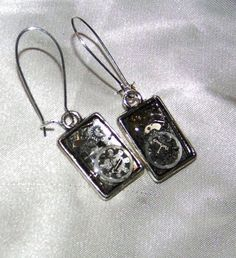 Cute rocking pair of earrings, dainty rectangles filled with watch gears set in ice resin. Steam punk Inspired. Perfect for the office.