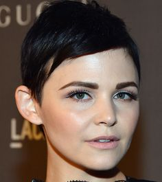 How to Grow Out a Pixie: 6 Tricks You Can Learn from Celebrities – Eyebrows False Eyebrows, Bushy Eyebrows, Tweezing Eyebrows, Thin Eyebrows, Threading Eyebrows, Perfect Eyebrows, Eye Brows, Shape Eyebrows, Best Eyebrow Makeup