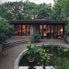 A rare opportunity to own an original Frank Lloyd Wright house is currently available in Kansas City, Missouri. The architectural masterpiece will be put up for auction by Heritage Auctions.