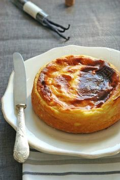 the dishes of trinidad: Parisian Flan without pulp Michalak French Desserts, Quiches, Sweet Recipes, Cupcake Cakes, Bakery, Dessert Recipes, Cooking Recipes, Yummy Food, Favorite Recipes
