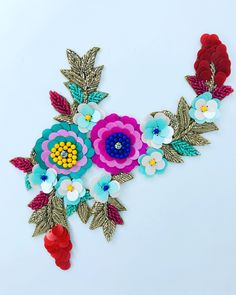 Hand Embroidered patches Flower Bouquet Applique custom patches embroidered patch for backpack Journal scrapbook sew on retro patch