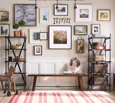 Looking for tips on creating family wall of memories? Whether you are looking for a unified look or an eclectic mix of different frames, the Pottery Barn wall solutions video takes you through the design process step by step. Diy Wall, Wall Decor, Hallway Pictures, Hanging Pictures, Sweet Home, Diy Design, Interior Design, Wall Design, Design Ideas