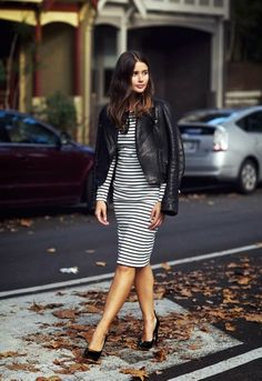 When in doubt wear black and white │ Street style inspiration. Stripped dress.