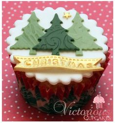 Victorious Cupcakes - embossed Christmas tree cupcakes