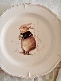 I don& buy many strictly seasonal things for my table because I find it too limiting, but I found these darling bunny plates at Ho. Beatrix Potter, Happy Easter, Easter Bunny, Estilo Kitsch, Bunny Art, Flower Pots, Flowers, Easter Table, Vintage Easter