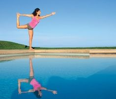 Jennifer Anistons Yoga Moves for Flat Abs health-fitness abs health-and-fitness