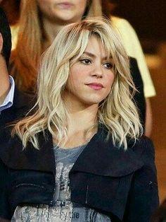 Shakira Shares Her Summer Beauty Secrets Shakira tells Magazine that she loves La Roche-Posay Anthelios 50 Mineral Ultra Light Sunscreen Fluid because it's paraben-free. Summer Beauty, Shakira Y Pique, Hair Inspo, Hair Inspiration, Beauty Secrets, Beauty Hacks, Beauty Products, Shakira Mebarak, Head Band