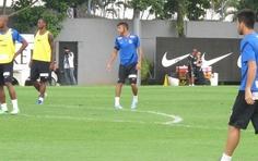 Últimos passos: Neymar treina no CT Rei Pelé com câmera na cabeça | Atacante participa normalmente da última atividade do Santos antes da estreia da equipe no Campeonato Brasileiro. http://mmanchete.blogspot.com.br/2013/05/ultimos-passos-neymar-treina-no-ct-rei.html#.UaEALEBQGSo
