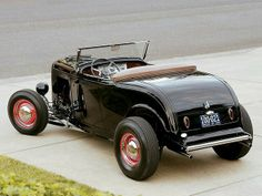 "Classic 1932 Ford ""Highboy"" Roadster Hot Rod"