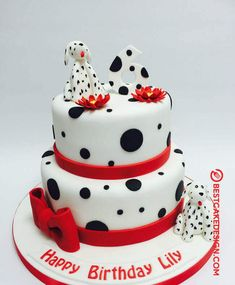 50 Most Beautiful looking 101 Dalmatians Cake Design that you can make or get it made on the coming birthday. Dog Cakes, Cupcake Cakes, Fruit Cakes, Dalmatian Party, Aladdin Cake, Sweet Sixteen Cakes, Cake Designs Images, Lion King Cakes, Puppy Cake