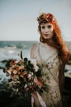 Romantic moody bridal bouquet and headpiece   Allison Markova Photography