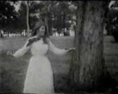 "#MyBackPage en Octubre de 1969 Bobbie Gentry era el #Hit1 con ""I'll Never Fall In Love Again"" #LaNuevaMix925"