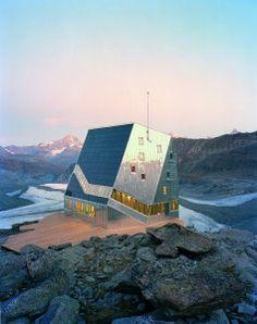 Neue Monte Rosa-Hütte nahe Zermatt. Kanton Wallis. / New Monte Rosa Hut near Zermatt. Canton of Valais. Switzerland.