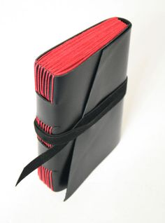 Sketchbook em couro preto pequeno (12.20x9.00cm) - Livraria Studio