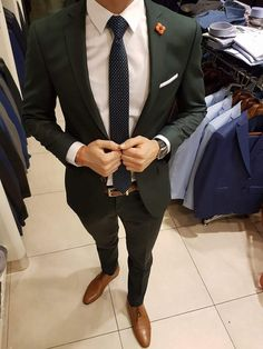 Mens fashion classy - That green suit though MensFashionParty Formal Suits, Men Formal, Mens Fashion Suits, Mens Suits, Suit For Men, Tuxedo For Men, Suits Outfits, Designer Suits For Men, Herren Outfit
