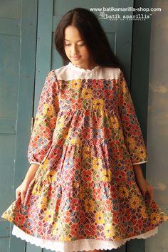 www.batikamarillis-shop.com Blouse Batik, Batik Dress, Girls Dresses, Baby Dresses, Summer Dresses, Model Kebaya, Batik Kebaya, Amarillis, Dress Anak