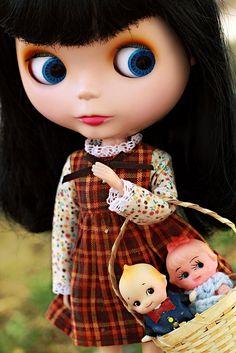 Blythe with Kewpies