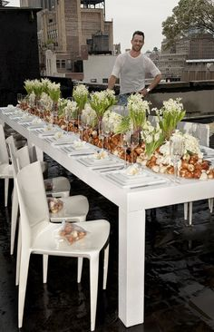flower bulbs as a feature of the tablescape - the work of Jeff Leatham