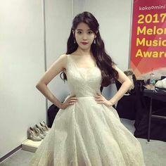 It was a graceful night Kpop Girl Groups, Kpop Girls, Korean Celebrities, Celebs, Korean Girl, Asian Girl, Oppa Gangnam Style, Bts Girl, Iu Fashion