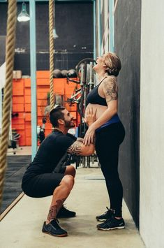 Pregnancy, pregnant woman, expecting and tattooed woman HD photo by Luciano Fagner ( on Unsplash Diet For Pregnant Women, Get Pregnant Fast, Getting Pregnant, Pregnant Crossfit, Pregnancy Test, Symptoms Pregnancy, Women Pregnancy, Baby Workout, Nine Months